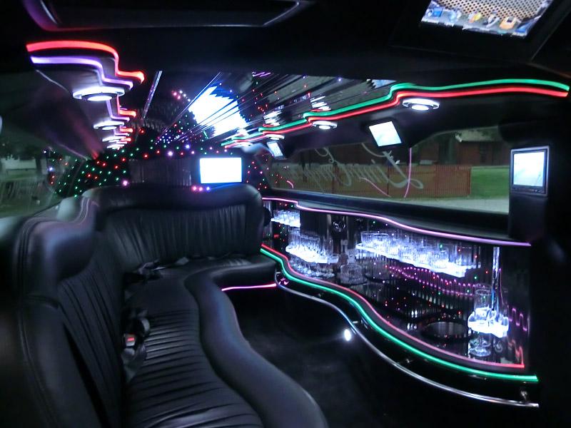 Lincoln Town Car Chrysler 300 Hummer H2 H3 Limoeurope Ab